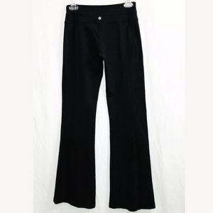 Lululemon Size 6 Yoga Pants Flare Black w/ Pocket